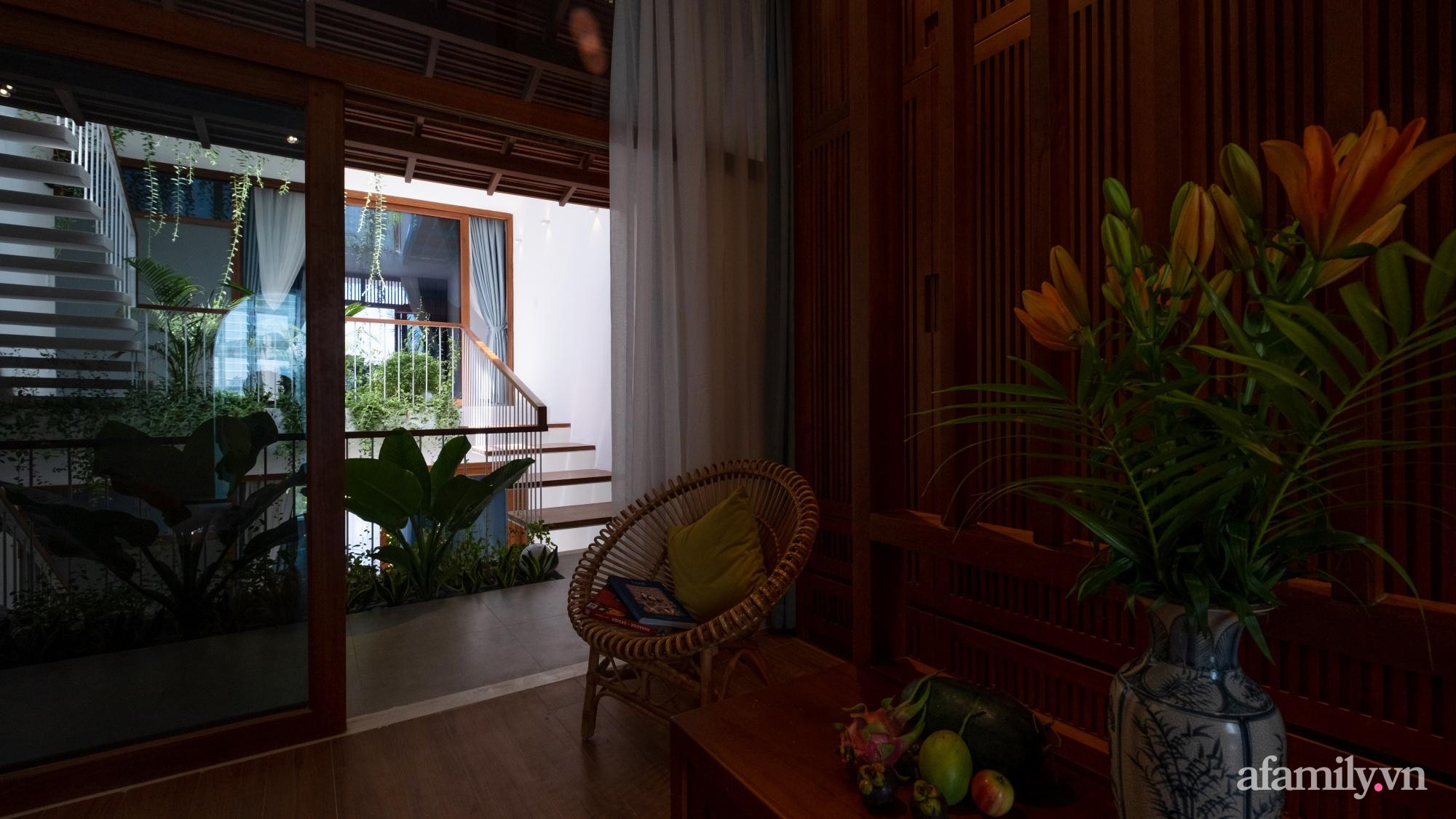 Nhà phố hướng Tây vẫn mát mẻ không cần điều hòa nhờ thiết kế gần gũi với thiên nhiên ở Nha Trang - Ảnh 18.