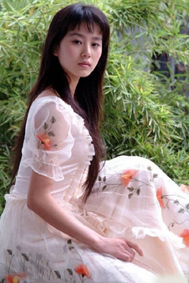 Hình ảnh năm 17 tuổi của dàn mỹ nhân Hoa ngữ: Dương Mịch, Phạm Băng Băng lép vế trước Lưu Diệc Phi, Trương Bá Chi - Ảnh 7.