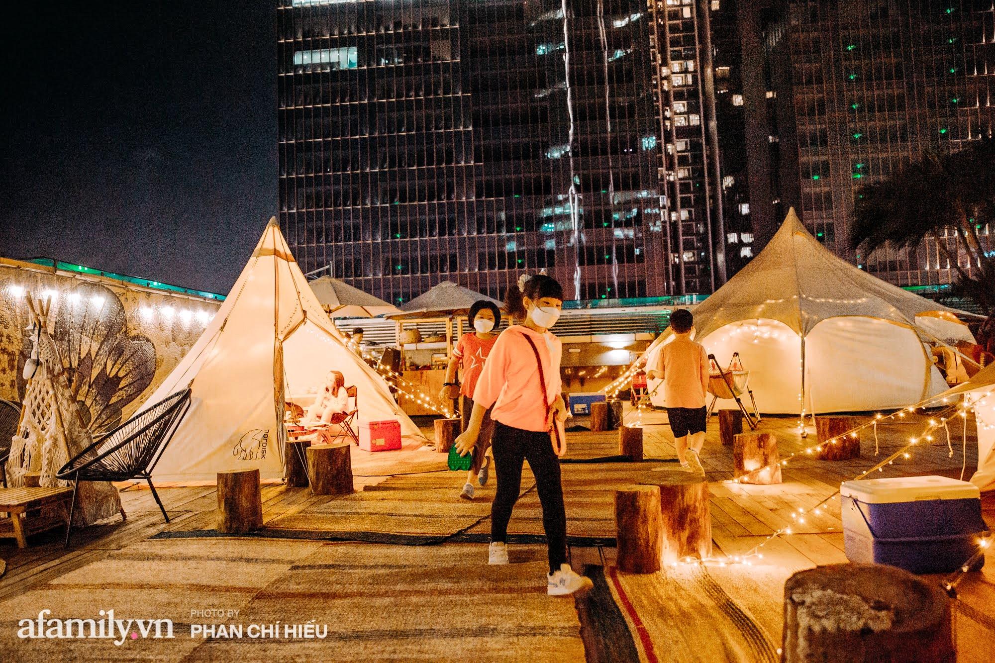 """Siêu Hot: Glamping - Cắm trại xa xỉ trên nóc tòa nhà cao nhất Hà Nội, một khung cảnh """"cam kết"""" đẹp hơn cả trên phim với 1 loạt trải nghiệm vô cùng thú vị dành cho cả gia đình - Ảnh 3."""