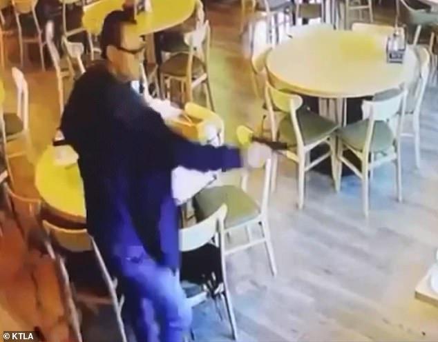 Vào nhà hàng ăn tối, cặp nam nữ gốc Á bị bắn chết tại chỗ, video ghi lại khoảnh khắc cuối đời gây ám ảnh kinh hoàng và mối quan hệ nhập nhằng khó hiểu - Ảnh 3.