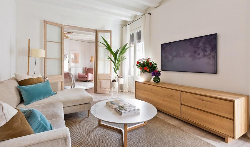 Căn hộ 49m² đẹp sang trọng, ngọt ngào với màu sắc và nội thất thanh lịch - Ảnh 1.