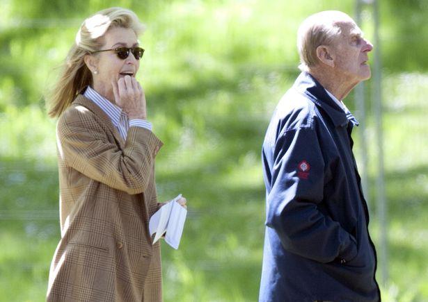 Người phụ nữ thầm lặng tại tang lễ Hoàng tế Philip: Bạn tâm giao kém 32 tuổi của người quá cố, đẹp hơn cả Nữ hoàng Anh và Kate Middleton  - Ảnh 7.