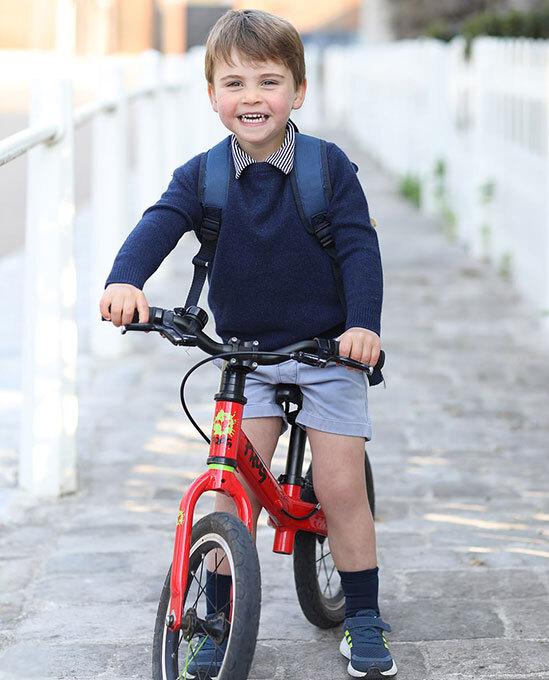 """Bức ảnh mới của Hoàng tử Louis nhân dịp sinh nhật tròn 3 tuổi """"gây bão"""" MXH với chi tiết xúc động, cho thấy sự tinh tế của Công nương Kate - Ảnh 1."""