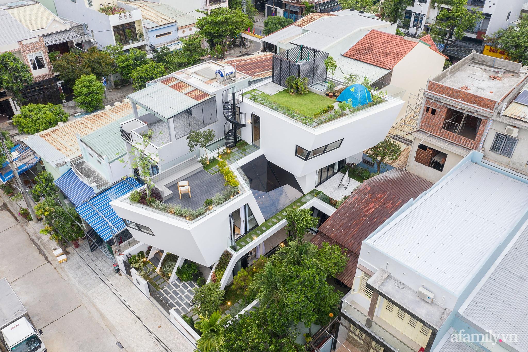 Nhà phố độc lạ được thiết kế lấy cảm hứng từ phi thuyền ở Đà Nẵng - Ảnh 5.