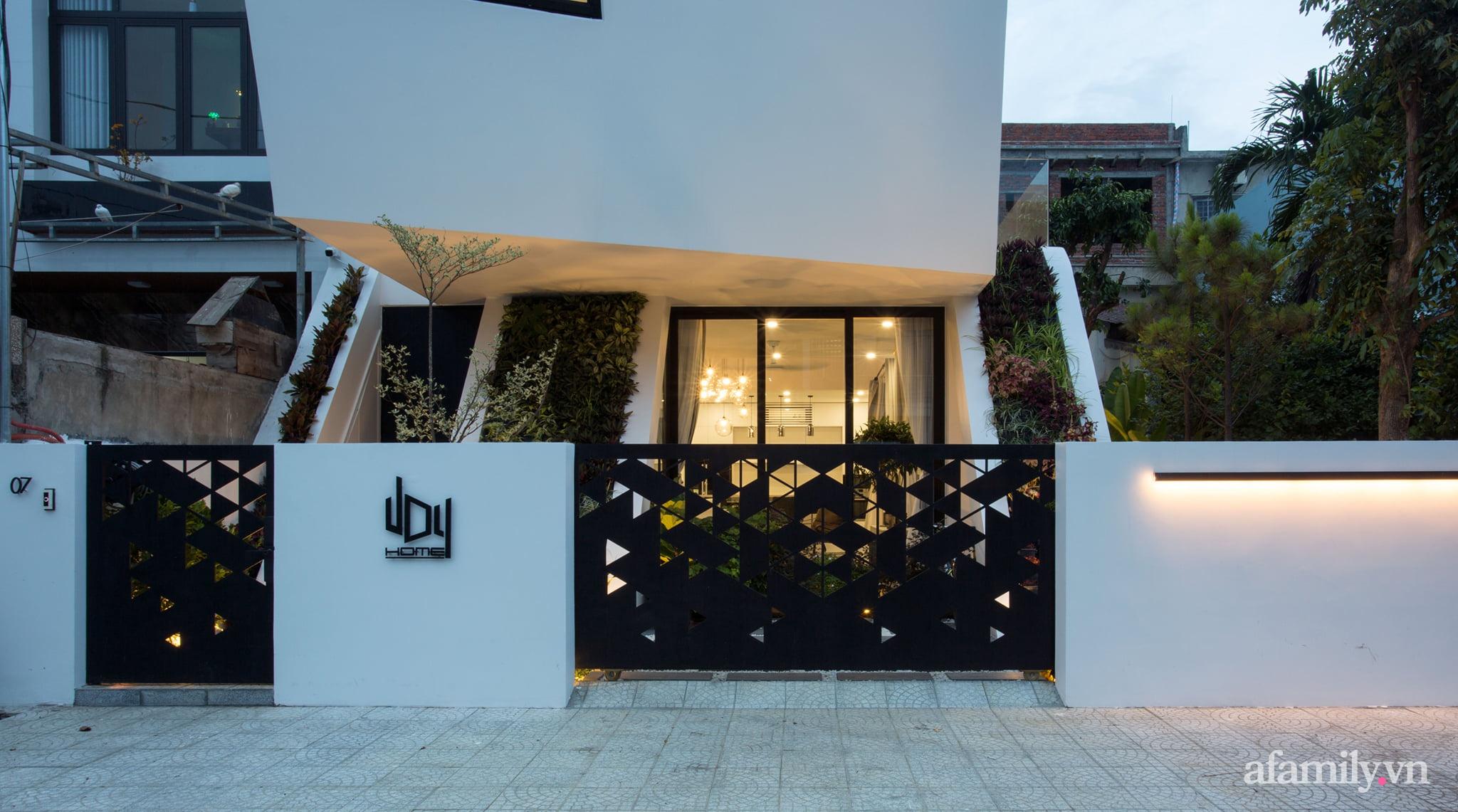 Nhà phố độc lạ được thiết kế lấy cảm hứng từ phi thuyền ở Đà Nẵng - Ảnh 8.