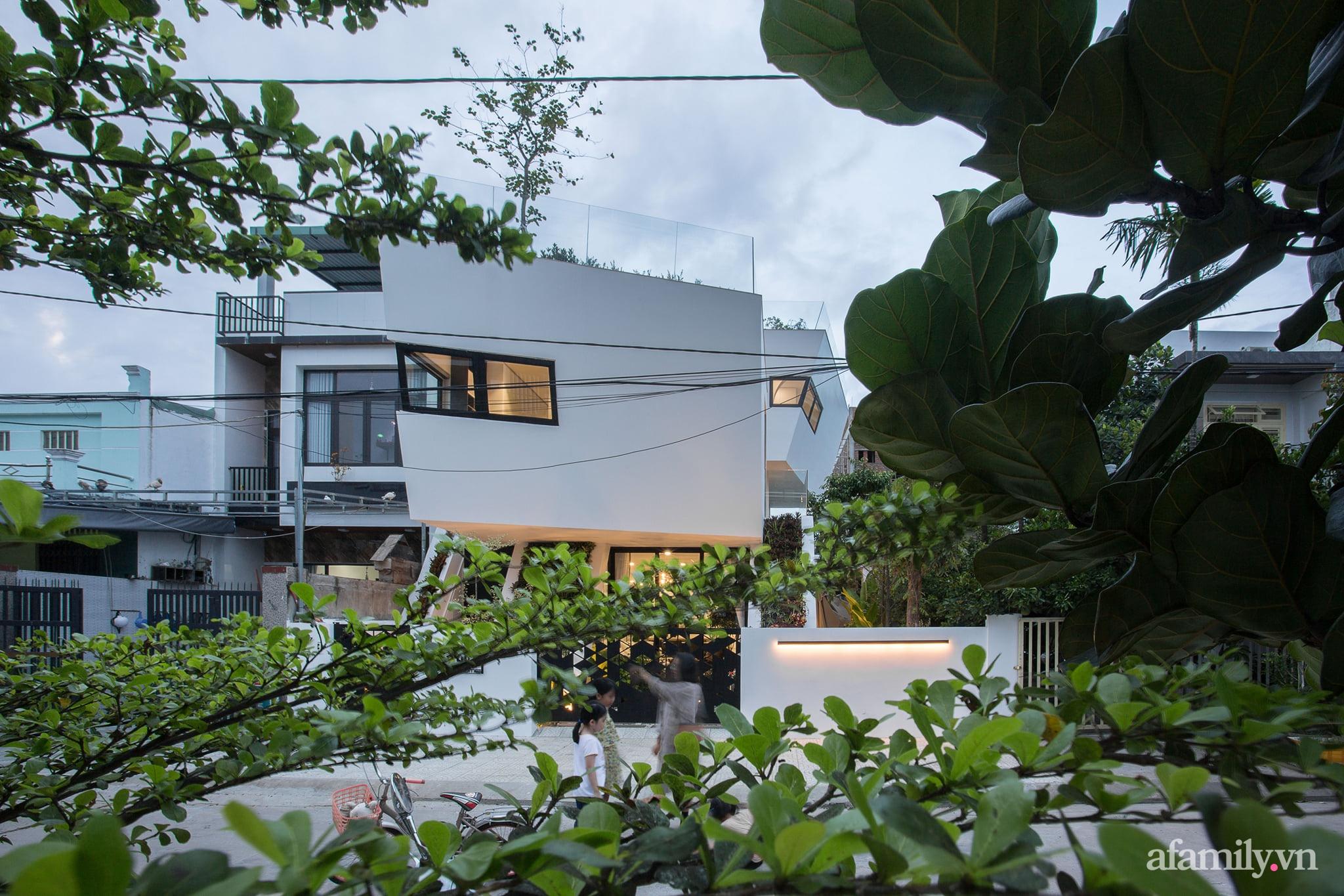 Nhà phố độc lạ được thiết kế lấy cảm hứng từ phi thuyền ở Đà Nẵng - Ảnh 6.