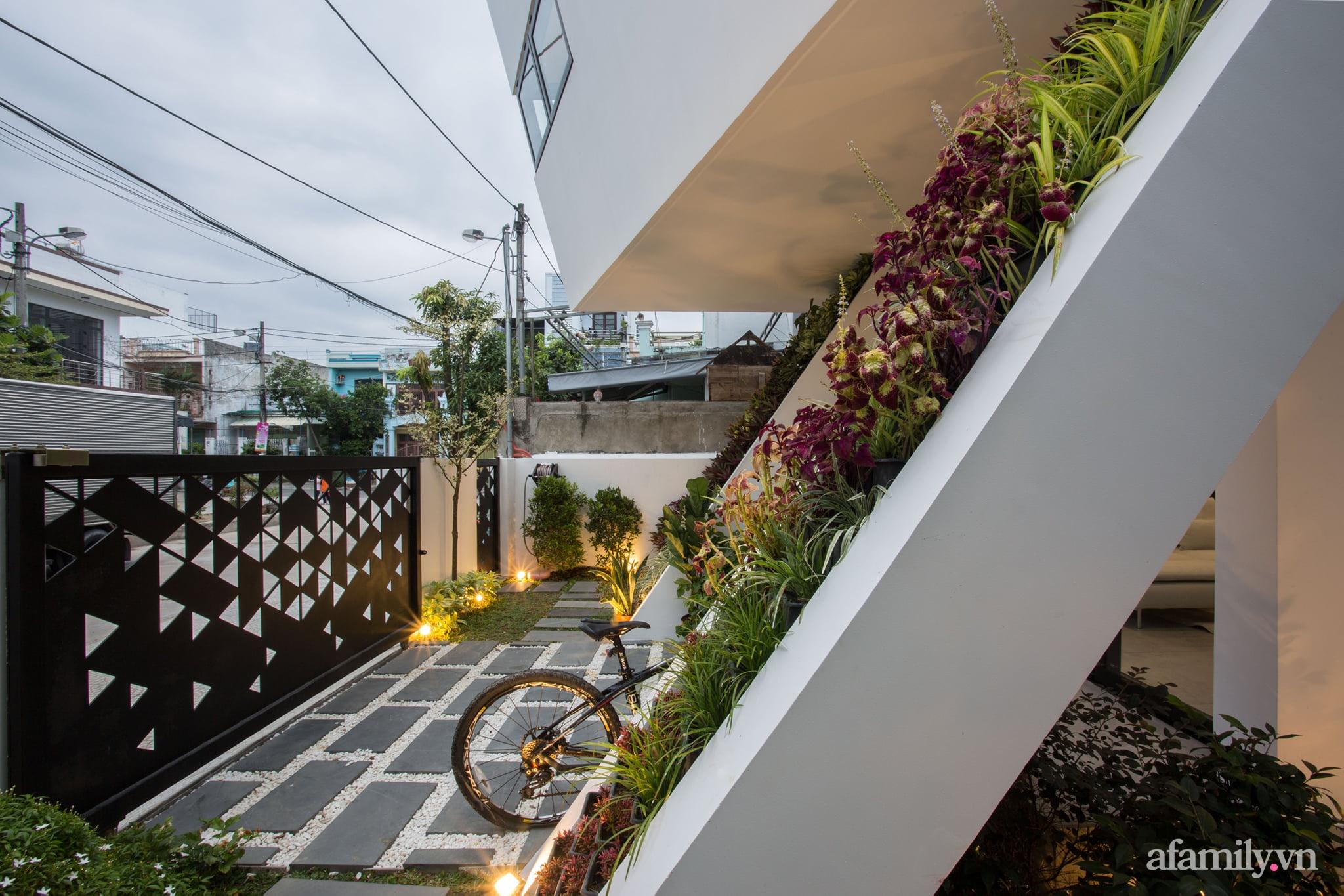 Nhà phố độc lạ được thiết kế lấy cảm hứng từ phi thuyền ở Đà Nẵng - Ảnh 10.