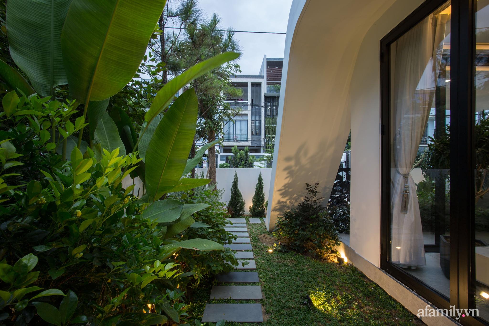 Nhà phố độc lạ được thiết kế lấy cảm hứng từ phi thuyền ở Đà Nẵng - Ảnh 9.