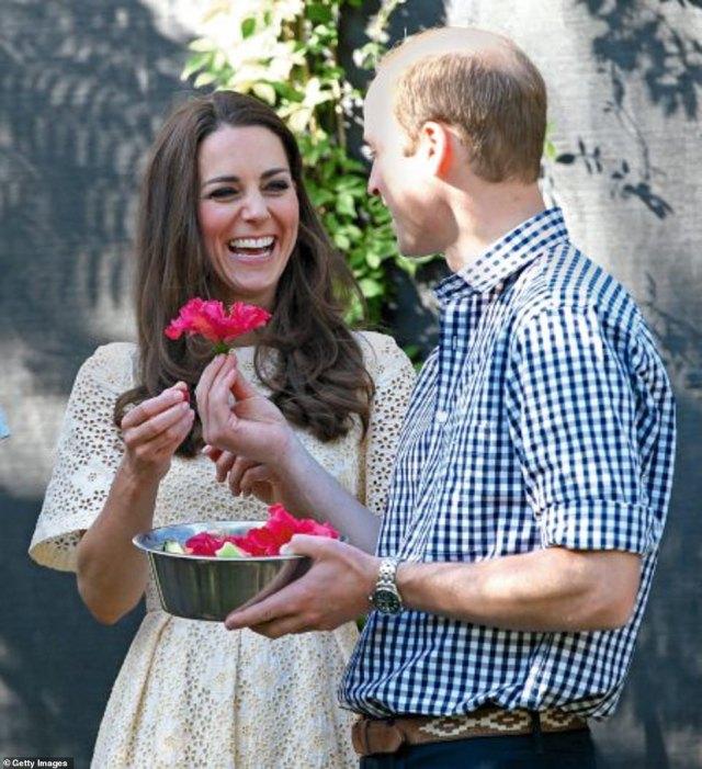 """Kỷ niệm 10 năm ngày cưới của nhà Công nương Kate: Một loạt khoảnh khắc """"tình bể bình"""" của cặp đôi chứng minh họ là một nửa hoàn hảo dành cho nhau - Ảnh 5."""
