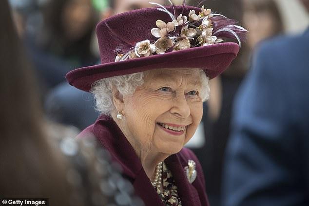 Harry gây bức xúc khi để lộ lý do thật sự khiến anh vội vã trở về Mỹ, bỏ quên Nữ hoàng Anh trong ngày sinh nhật cô đơn nhất - Ảnh 4.