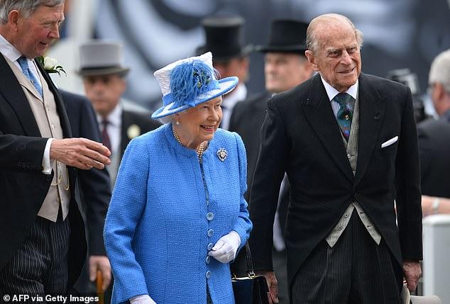 Harry gây bức xúc khi để lộ lý do thật sự khiến anh vội vã trở về Mỹ, bỏ quên Nữ hoàng Anh trong ngày sinh nhật cô đơn nhất - Ảnh 3.