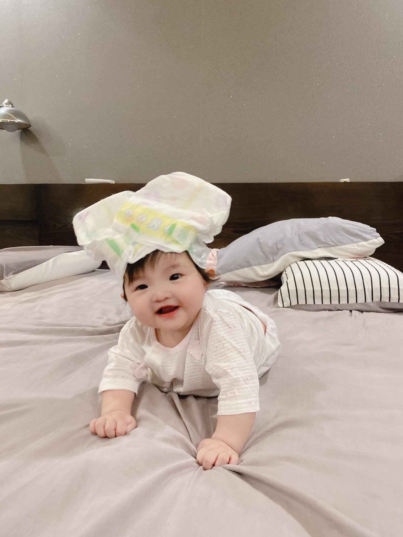Tranh thủ Đông Nhi vắng nhà, Ông Cao Thắng lén trổ tài làm stylist cho con nhưng kết quả nhìn mà hờn thay Winnie! - Ảnh 3.