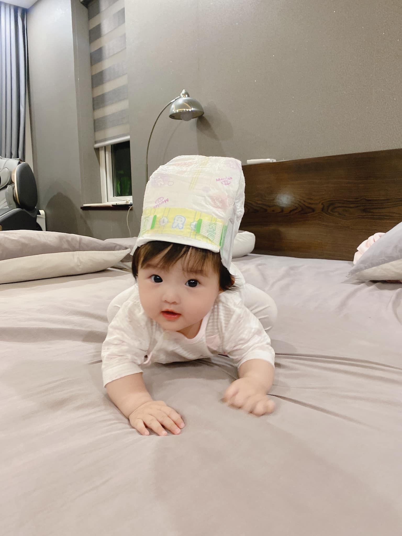 Tranh thủ Đông Nhi vắng nhà, Ông Cao Thắng lén trổ tài làm stylist cho con nhưng kết quả nhìn mà hờn thay Winnie! - Ảnh 2.