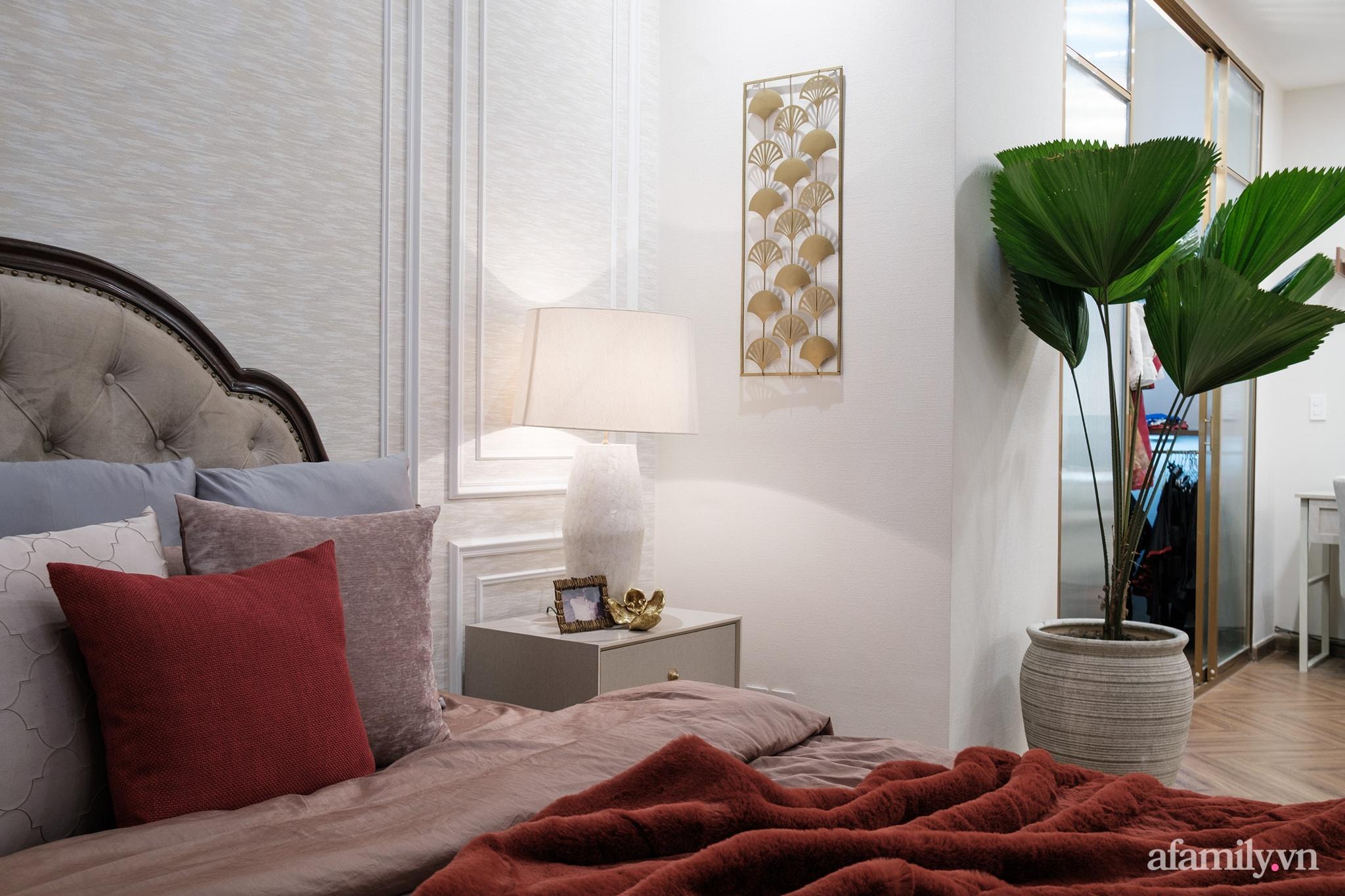Lột xác phòng ngủ cũ kỹ thành không gian đẳng cấp 5 sao dành cho cặp vợ chồng U70 chỉ trong 2 tuần ở Sài Gòn - Ảnh 17.