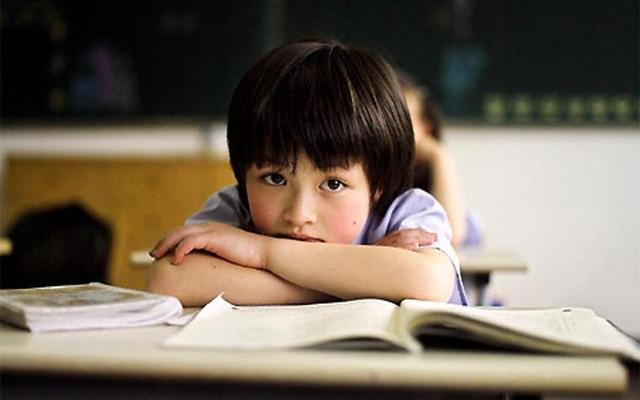 Nếu có 4 biểu hiện bất thường về cảm xúc này, bé có khả năng rơi vào trầm cảm nhưng đa số cha mẹ vẫn coi nhẹ  - Ảnh 1.