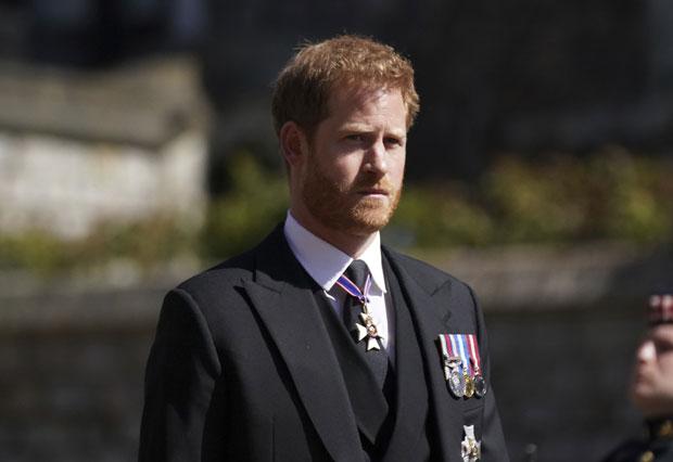 """Harry """"sốc"""" trước sự tiếp đón lạnh nhạt của hoàng gia, trở về Mỹ cũng không ngừng dằn vặt và phản ứng trái ngược của Meghan Markle - Ảnh 1."""