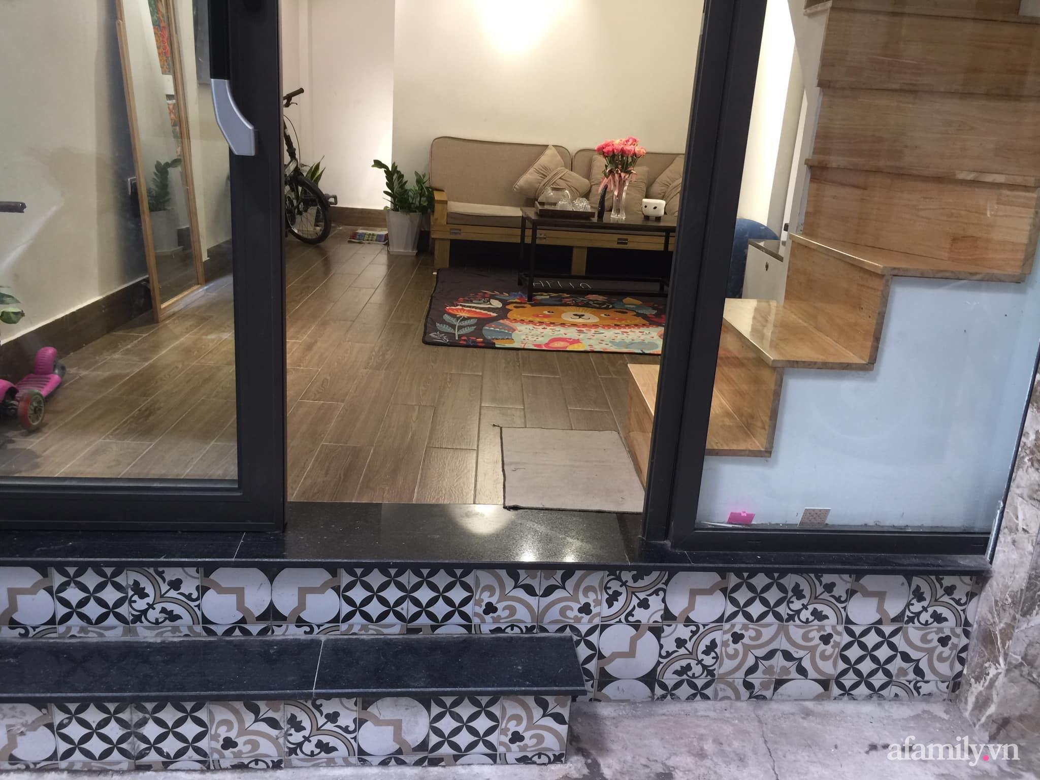 Chán cảnh thuê nhà, vợ chồng trẻ tích cóp tiền cải tạo nhà phố 20m² thành tổ ấm lý tưởng ở Hà Nội - Ảnh 1.