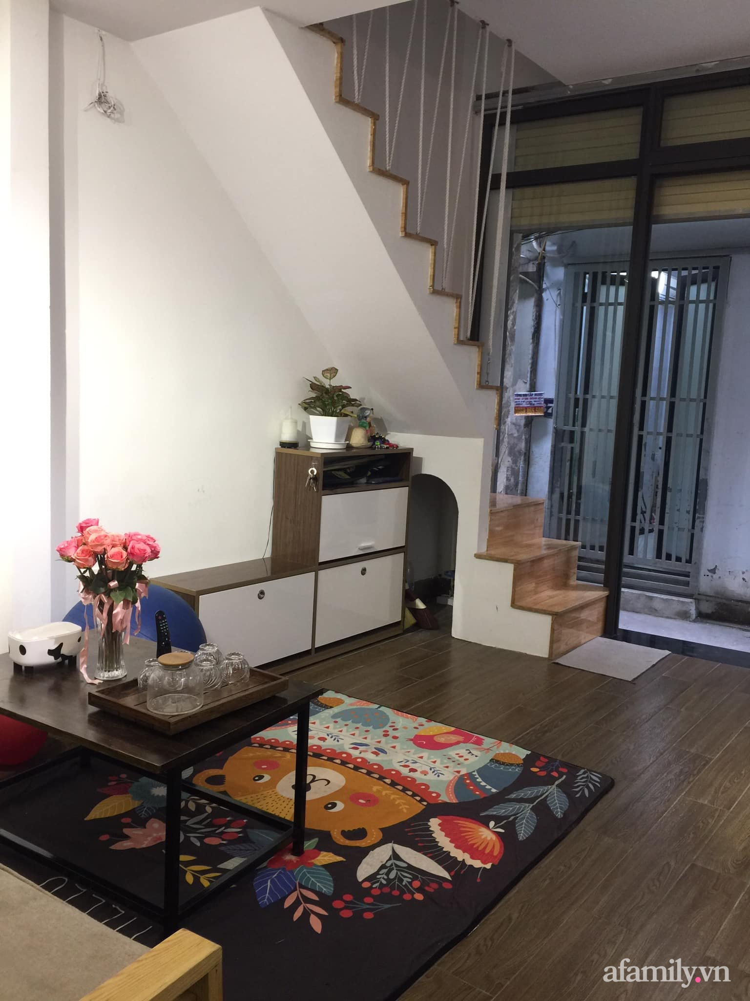 Chán cảnh thuê nhà, vợ chồng trẻ tích cóp tiền cải tạo nhà phố 20m² thành tổ ấm lý tưởng ở Hà Nội - Ảnh 3.
