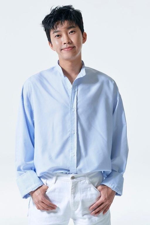 Forbes công bố nghệ sĩ quyền lực nhất Hàn Quốc: Cặp đôi Son Ye Jin - Hyun Bin nắm tay nhau đi xuống, Song Hye Kyo bất ngờ vắng mặt - Ảnh 6.