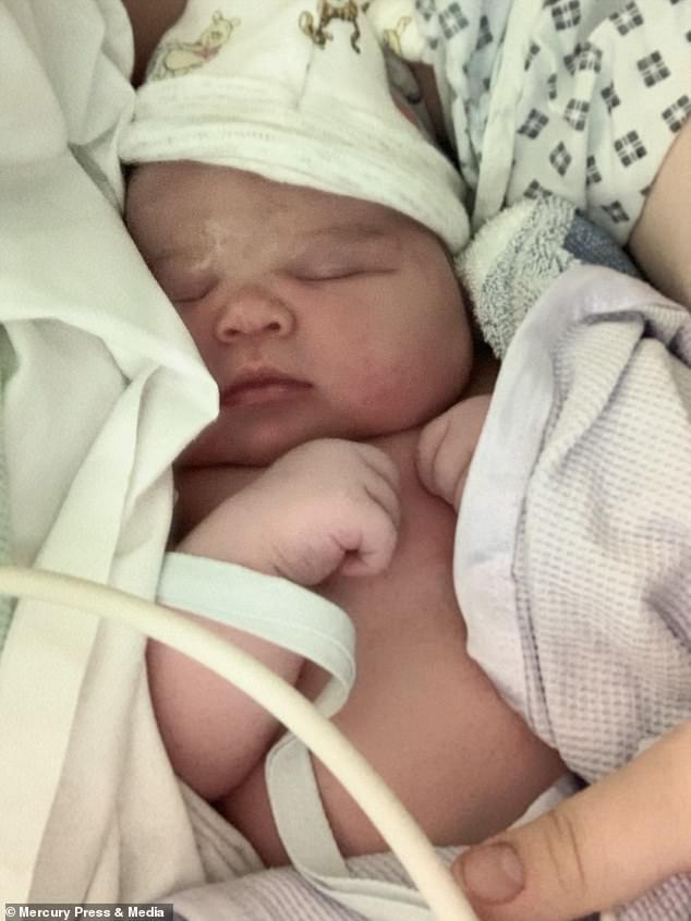Mẹ bầu rạn da đến mức chảy cả máu, đến khi em bé chào đời bác sĩ kịp hiểu ngay ra nguyên nhân vì sao - Ảnh 8.