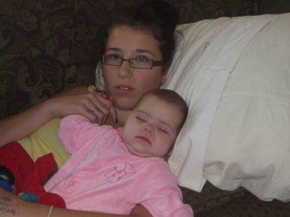 Nữ sinh bị 4 nam cưỡng hiếp, cầu xin sự giúp đỡ nhưng không một ai hành động để rồi 17 tháng sau mẹ cô bé phát hiện cảnh tượng ám ảnh trong phòng tắm - Ảnh 4.