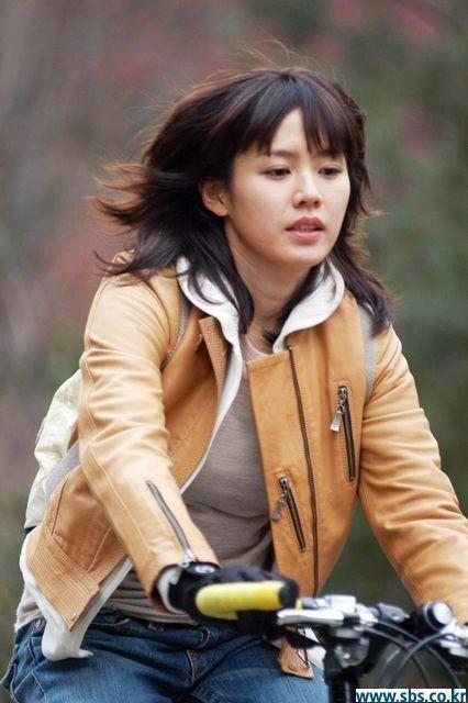 """Thêm một bộ phim của Son Ye Jin hot trở lại sau 15 năm, fan xem lại phải trầm trồ vì đôi mắt to, khuôn mặt tròn xoe của """"chị đẹp"""" - Ảnh 3."""