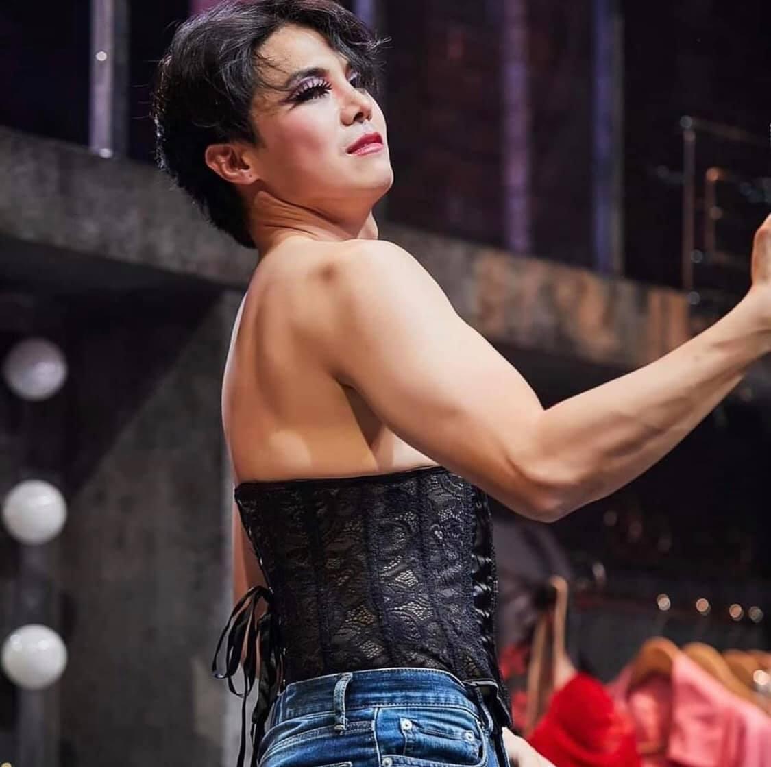 5 tạo hình khiến diễn viên Hàn muốn chôn sống: Makeup thảm họa của Song Joong Ki chưa sốc bằng trùm cuối - Ảnh 17.