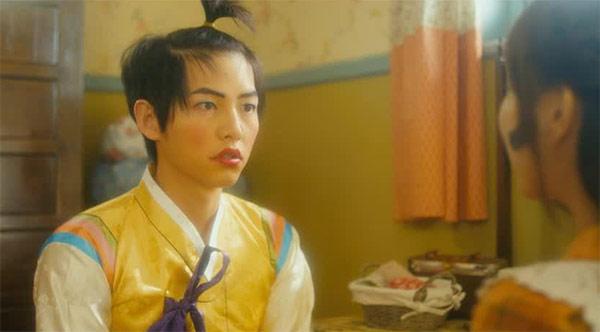 5 tạo hình khiến diễn viên Hàn muốn chôn sống: Makeup thảm họa của Song Joong Ki chưa sốc bằng trùm cuối - Ảnh 2.