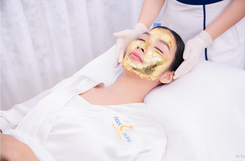"""Lan Ngọc, Hoàng Thùy làm đẹp bằng cách """"đắp vàng lên mặt"""" như thế nào? - Ảnh 5."""
