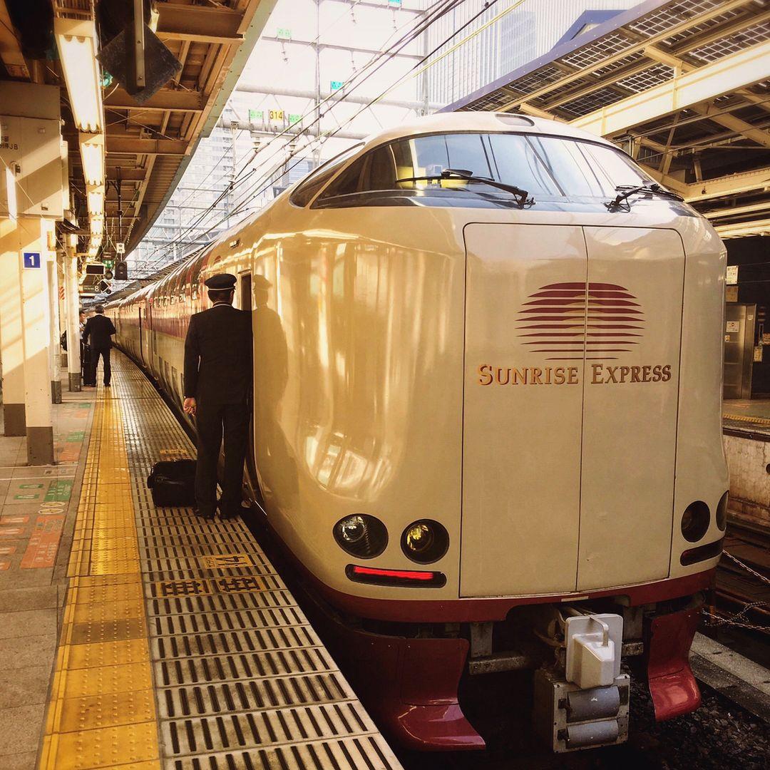 Có gì bên trong chuyến tàu xuyên đêm duy nhất còn sót lại ở Nhật Bản? 003