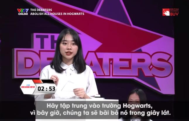 Xuất hiện trên sóng truyền hình VTV7, nữ sinh Hà Nội gây bão vì xinh ơi là xinh, ngó sang thành tích học tập lại càng bái phục! - Ảnh 2.