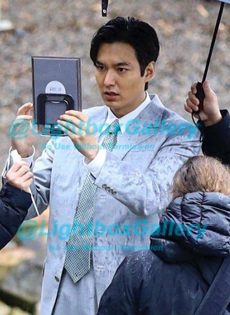 """Lee Min Ho để lộ khuôn mặt đen nhẻm do chụp lén, còn bị netizen """"làm tiền"""" với giá nghìn đô? - Ảnh 2."""