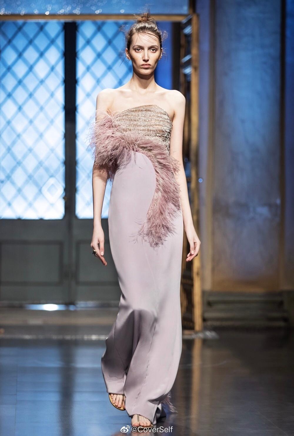 """Dương Mịch lao vào cuộc đua đồ cao cấp, đổi stylist để """"lấy le"""" diện đồ Haute Couture đi sự kiện nhưng vẫn bị dân tình chê bai - Ảnh 4."""