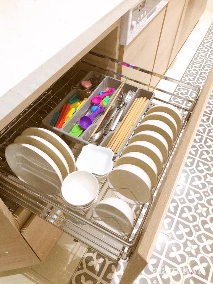Căn bếp gọn đẹp, ngăn nắp như trong tạp chí nhờ học hỏi bí quyết tối giản của người Nhật - Ảnh 4.
