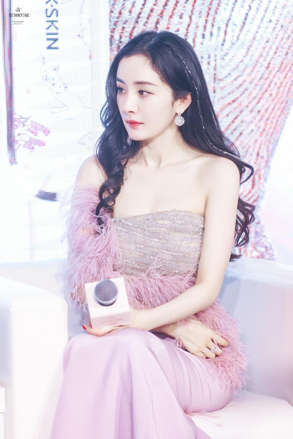 """Dương Mịch lao vào cuộc đua đồ cao cấp, đổi stylist để """"lấy le"""" diện đồ Haute Couture đi sự kiện nhưng vẫn bị dân tình chê bai - Ảnh 6."""