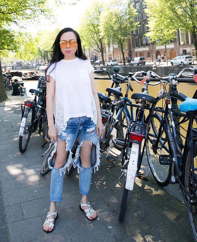 """""""Bạn thân Hà Tăng"""" diện ngay chiếc quần jeans mà dân tình xa lánh, lập lại vết xe đổ từ style thảm họa của Hương Giang, Phượng Chanel - Ảnh 5."""
