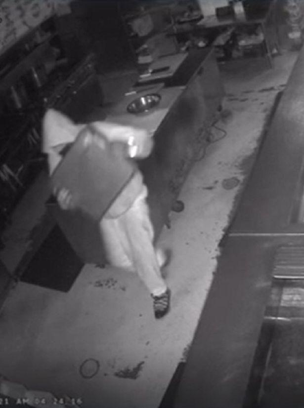 Trộm đột nhập cửa hàng, người chủ đăng đàn mong tìm được danh tính thủ phạm nhưng đính kèm lời nhắn khó tin - Ảnh 3.