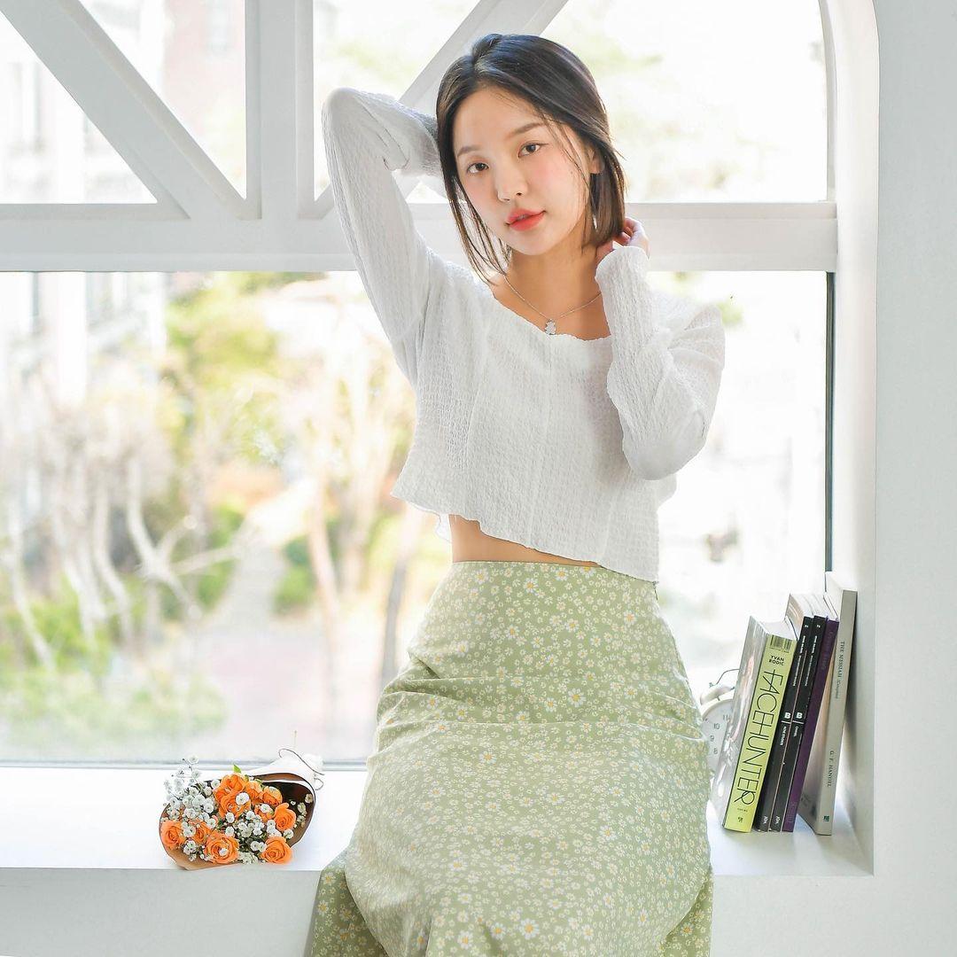 """4 công thức """"nhắm mắt cũng mặc đẹp"""" mà hội gái Hàn chăm áp dụng nhất thời điểm này - Ảnh 5."""
