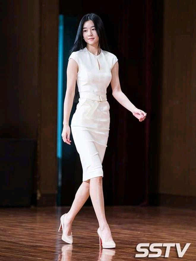 Seo Ye Ji: Cực phẩm nhan sắc tuổi 31, chưa một lần bị lu mờ trên thảm đỏ - Ảnh 3.