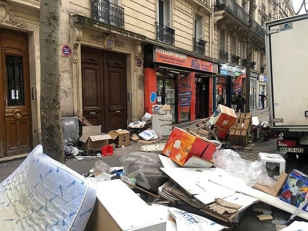 """Những hình ảnh gây sốc cho thấy thành phố Paris hoa lệ """"ngập trong rác"""" khiến cộng đồng mạng thất vọng tràn trề, thực hư ra sao? - Ảnh 2."""