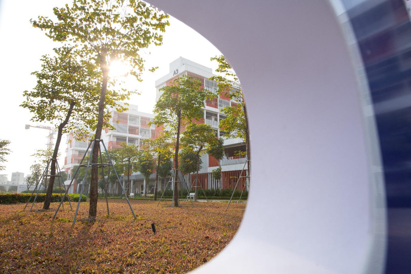 Ngôi trường trong mơ của gen Z đã thật sự xuất hiện ở Hà Nội - Ảnh 2.