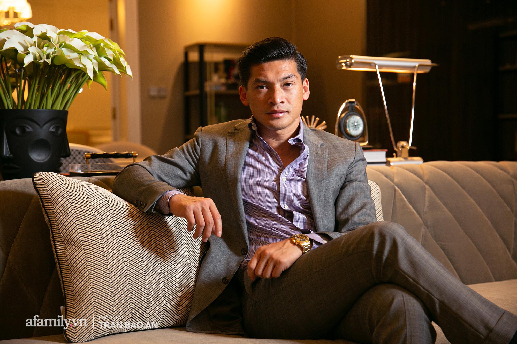 """Yves Huy Phan – CEO 30 tuổi làm chủ đế chế nội thất xa xỉ tiết lộ quá trình """"làm giàu"""" và điều bí mật trong mối tình đồng giới với nhà thiết kế nội thất nổi tiếng nhất Việt Nam - Ảnh 1."""