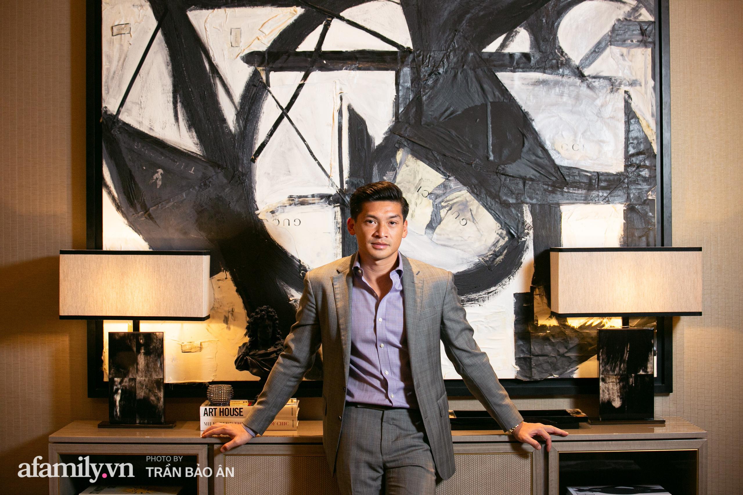 """Yves Huy Phan – CEO 30 tuổi làm chủ đế chế nội thất xa xỉ tiết lộ quá trình """"làm giàu"""" và điều bí mật trong mối tình đồng giới với nhà thiết kế nội thất nổi tiếng nhất Việt Nam - Ảnh 10."""