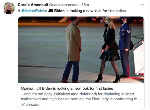 """Gần 70 tuổi, lần đầu tiên style của Phu nhân Jill Biden bị lôi ra bàn tán: Chiếc quần tất lưới chính là """"thủ phạm"""" khiến bà không bằng một phần của Melania Trump - Ảnh 8."""