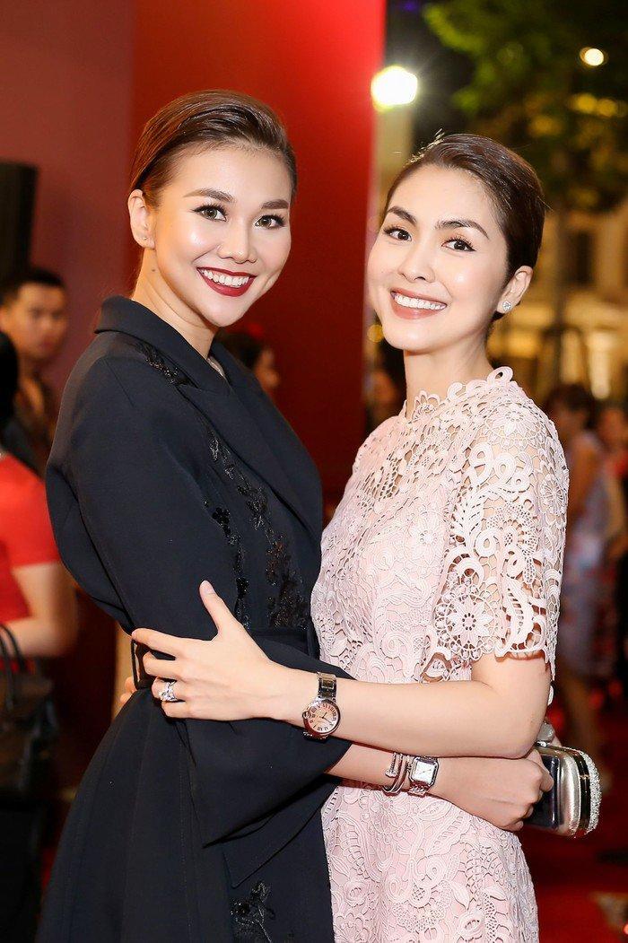 """Hà Tăng khi chung khung hình với dàn Hoa hậu: Makeup đậm hay nhạt cũng không """"ngán"""" bất cứ ai  - Ảnh 8."""