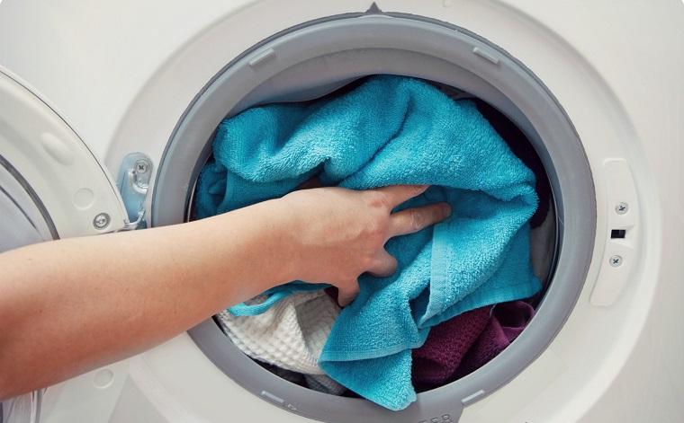 Áp dụng đúng 4 mẹo này đảm bảo máy giặt của bạn lúc nào cũng như mới - Ảnh 2.