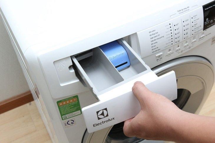 Áp dụng đúng 4 mẹo này đảm bảo máy giặt của bạn lúc nào cũng như mới - Ảnh 6.