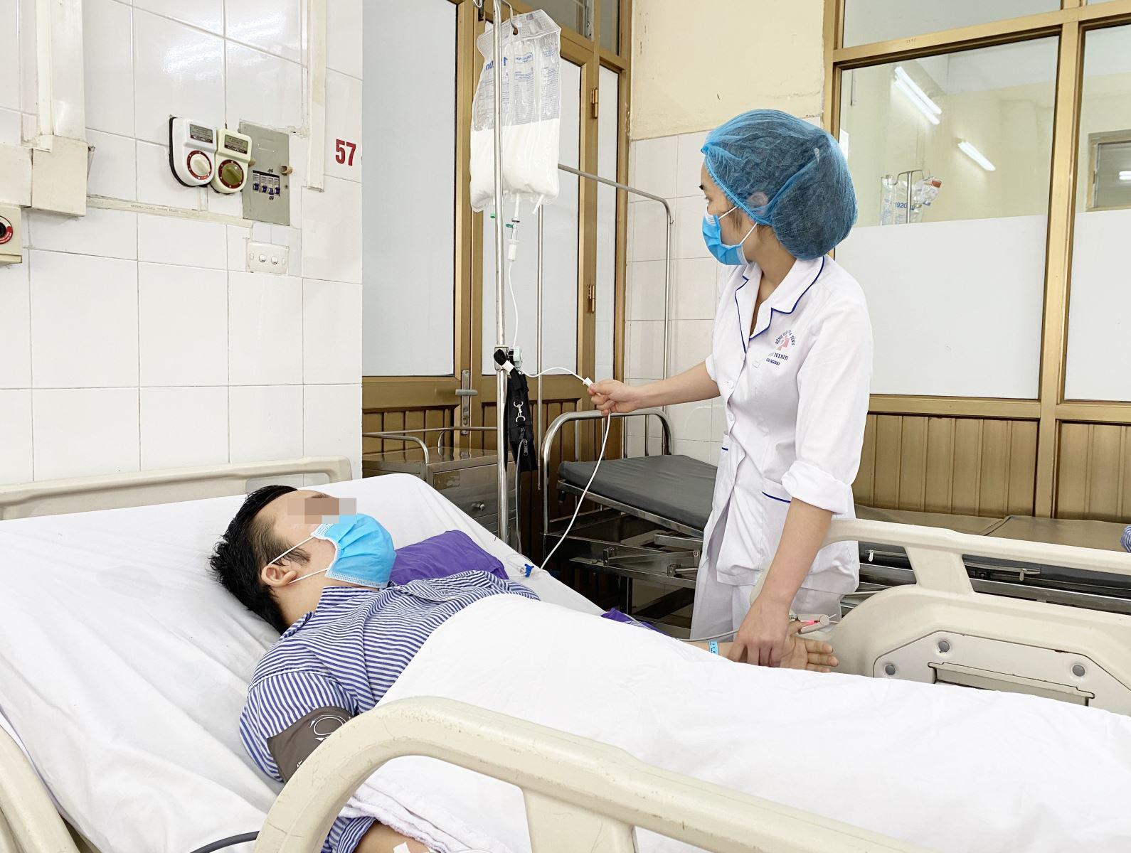 Phẫu thuật khối u di căn ổ bụng cho bệnh nhân ung thư tinh hoàn - Ảnh 3.
