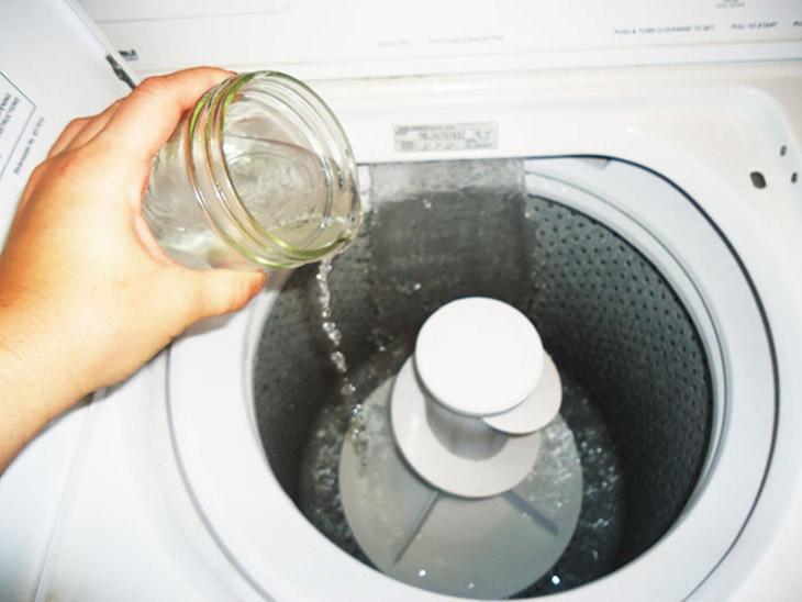 Áp dụng đúng 4 mẹo này đảm bảo máy giặt của bạn lúc nào cũng như mới - Ảnh 4.