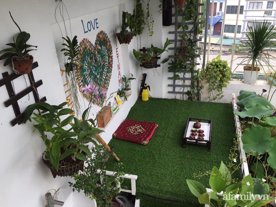 Mong muốn vợ con được ăn thực phẩm sạch, ông bố trẻ vất vả phủ kín rau sạch trên sân thượng 70m² ở Hà Nội - Ảnh 18.